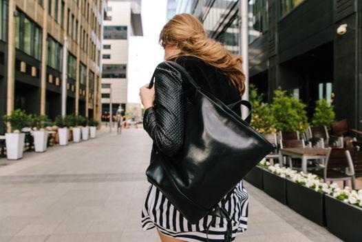 Кожаный черный городской рюкзак из гладкой кожи