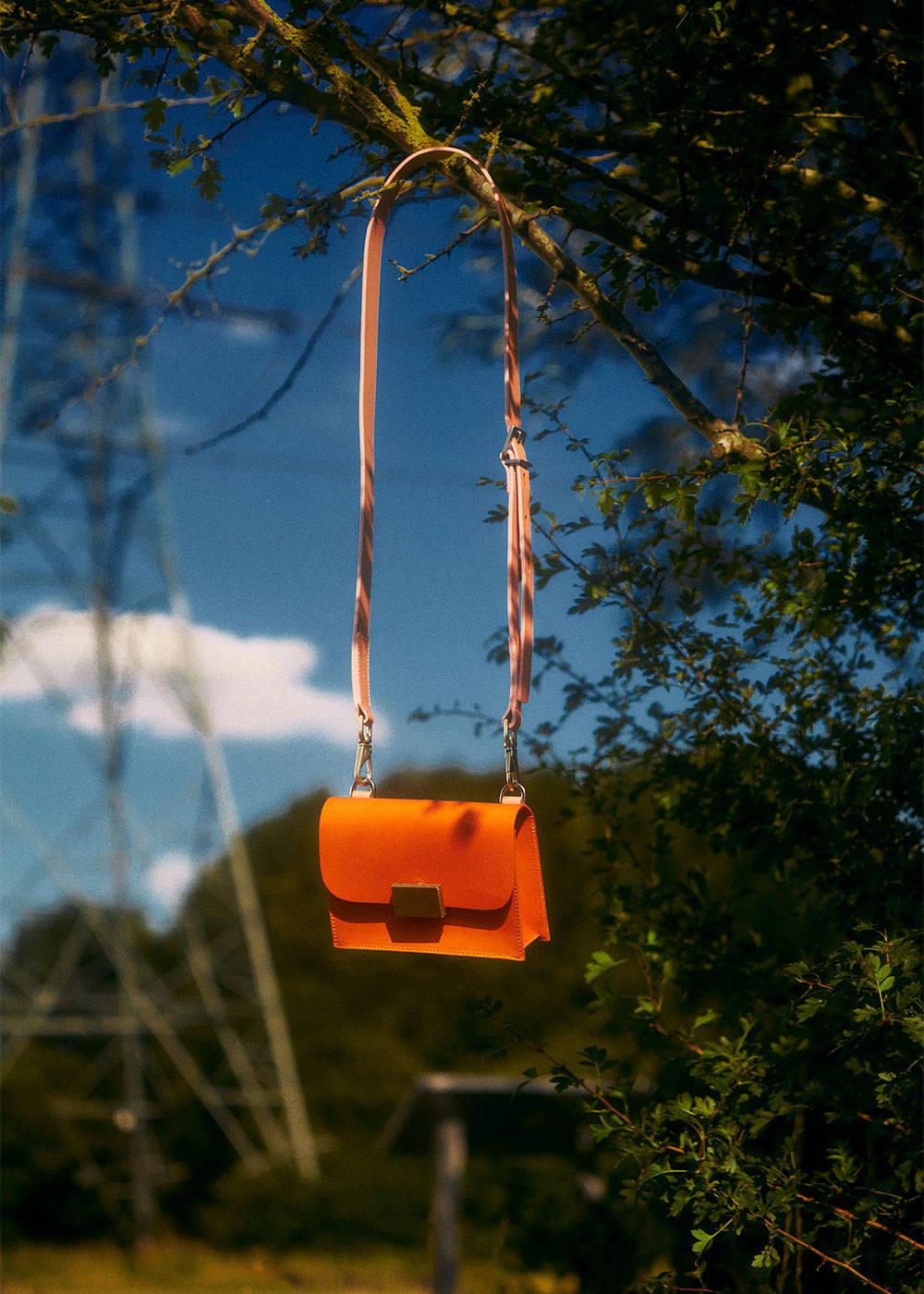 Mini Lock in Apricot