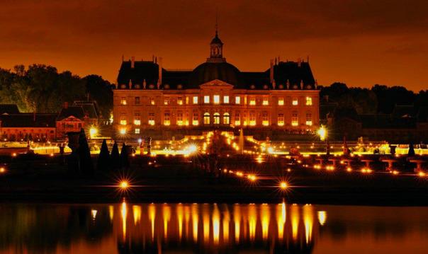 Вечер при свечах в усадьбе-дворце Во-ле-Виконт
