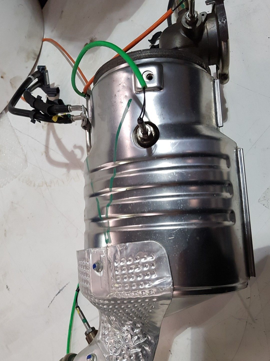 Land Rover Defender DPF for 2.2 TDCI Puma - with sensors LR041316's featured image