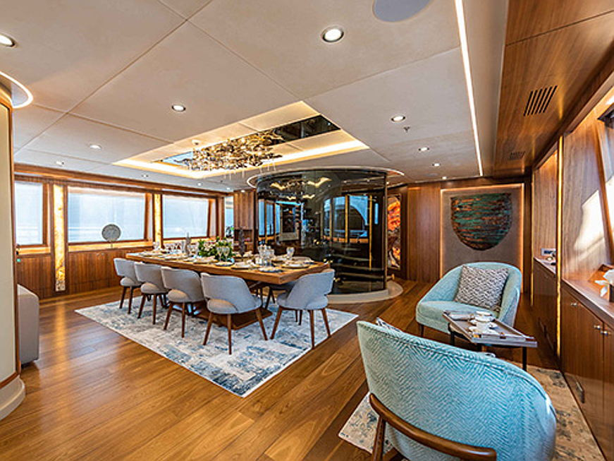 Sintra - Yacht Aresteas measures length of 51 meters and sails top speed of 15 knots. The comfortable interior by Aldo Viani can accommodate up to 12 guests.The interior of Aresteas comprises a master suite, two VIP suites, two twin and one double cabin. (Image source: Engel & Völkers Yachting)