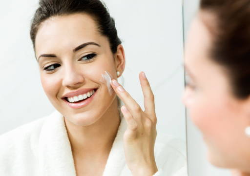 Creaming face with Organique anti acne cream