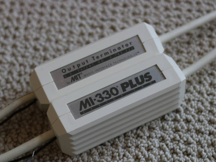 MIT Cables MI-330 Plus Series Two Phono 1M **Free Shipping and No Paypal fee**