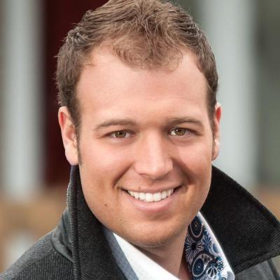 Marc-André Lavoie  Real estate agent RE/MAX Signature