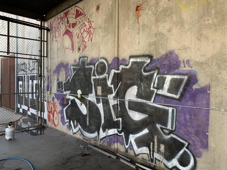 graffiti off concrete