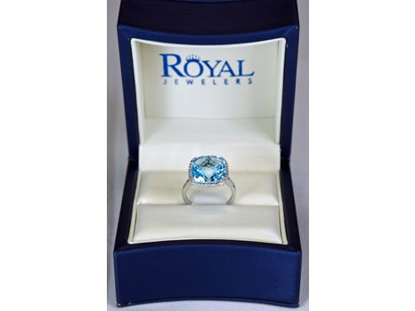 Royal Jewelers Sky Blue Diamond Ring
