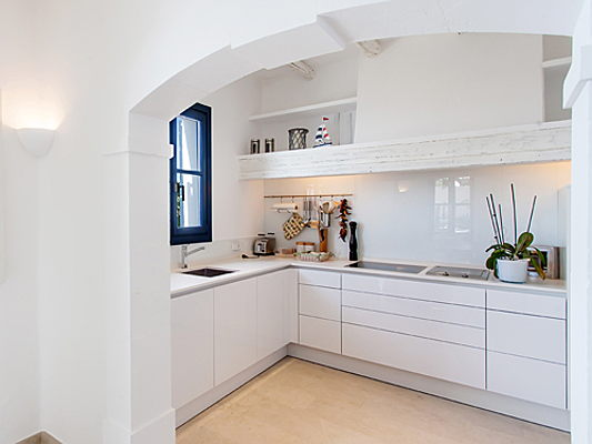 Sant Just Desvern - The challenge of a small kitchen