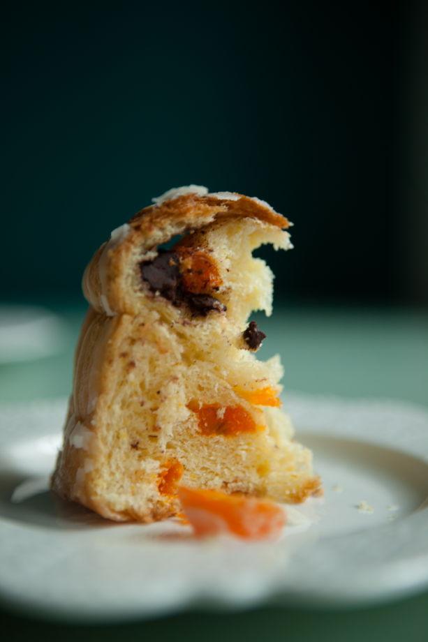 Кулич-бриошь с кумкватом-апельсином-шоколадом