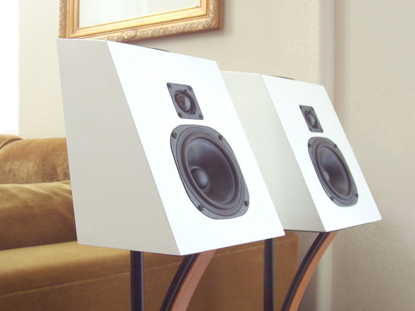 TETRA - Extremely Rare  120U Manhattan  World Class 2-Way Speakers