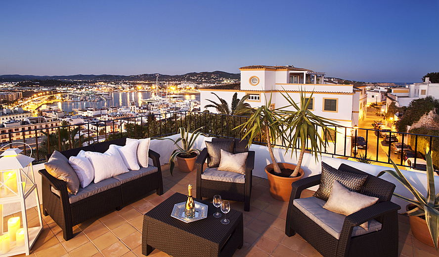 Ibiza - Rooftop terrace night.jpg