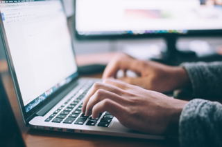 4 Simple Tips to Help Seniors Stay Safe Online