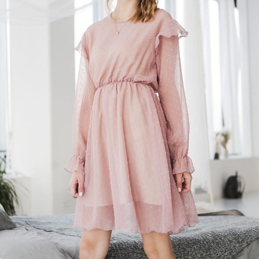 Пудровое платье из шифона
