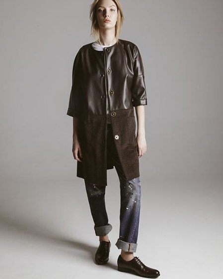 пальто из шерсти и искусственной кожи.