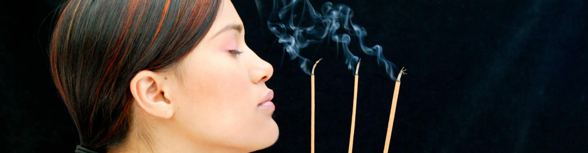 sandalwood incense relax