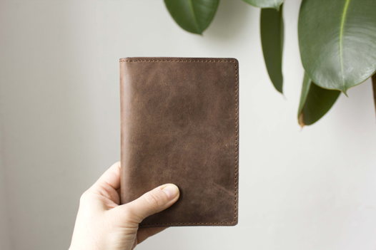 """Коричневый холдер для паспорта, карт, банкнот """"Лесной орех"""""""