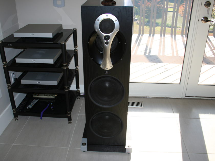 LINN  KOMRI  Komri Reference Loudspeakers - Linn's Best !