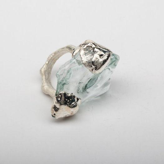 Кольцо из стекла Ледник в объятиях