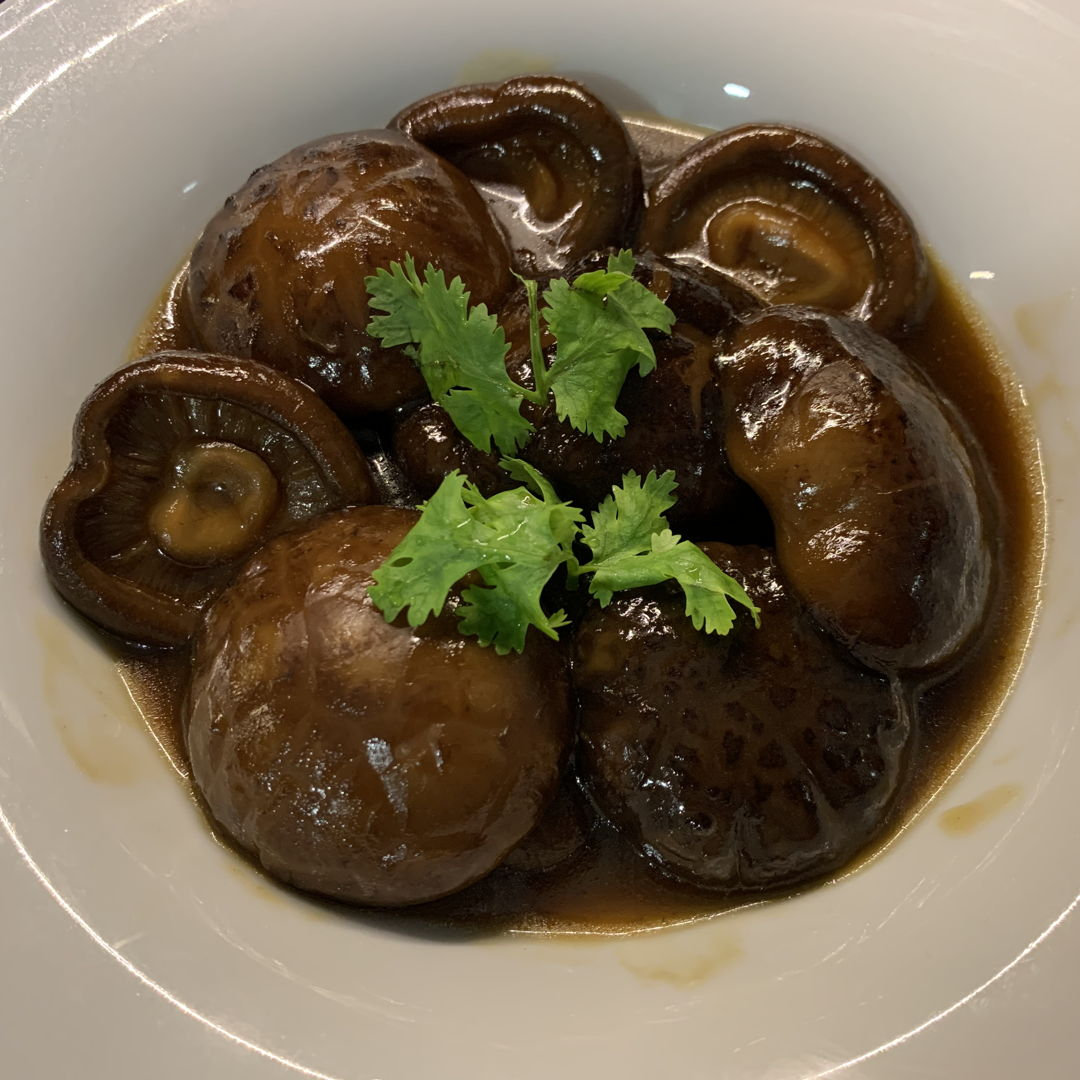 Braised mushrooms