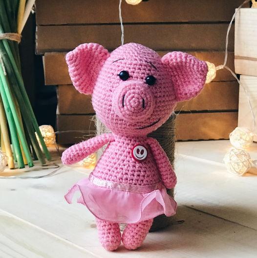 вязанная свинка Зефирка