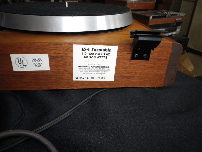 Acoustic Research, AR ES-1 with SME Series III S version, Tonearm with Grado Cartridge Good Condition