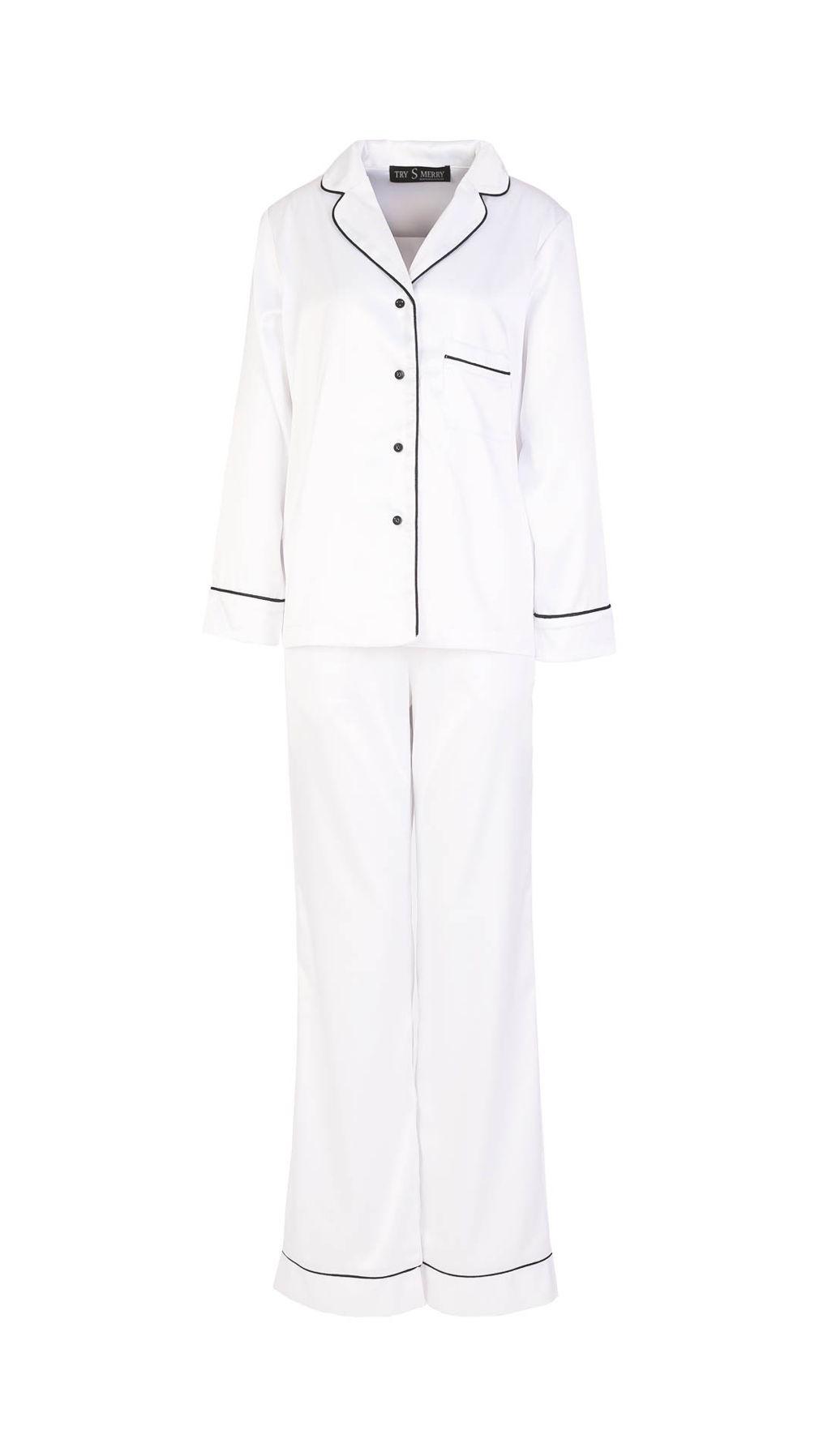 Пижама из белого шелка