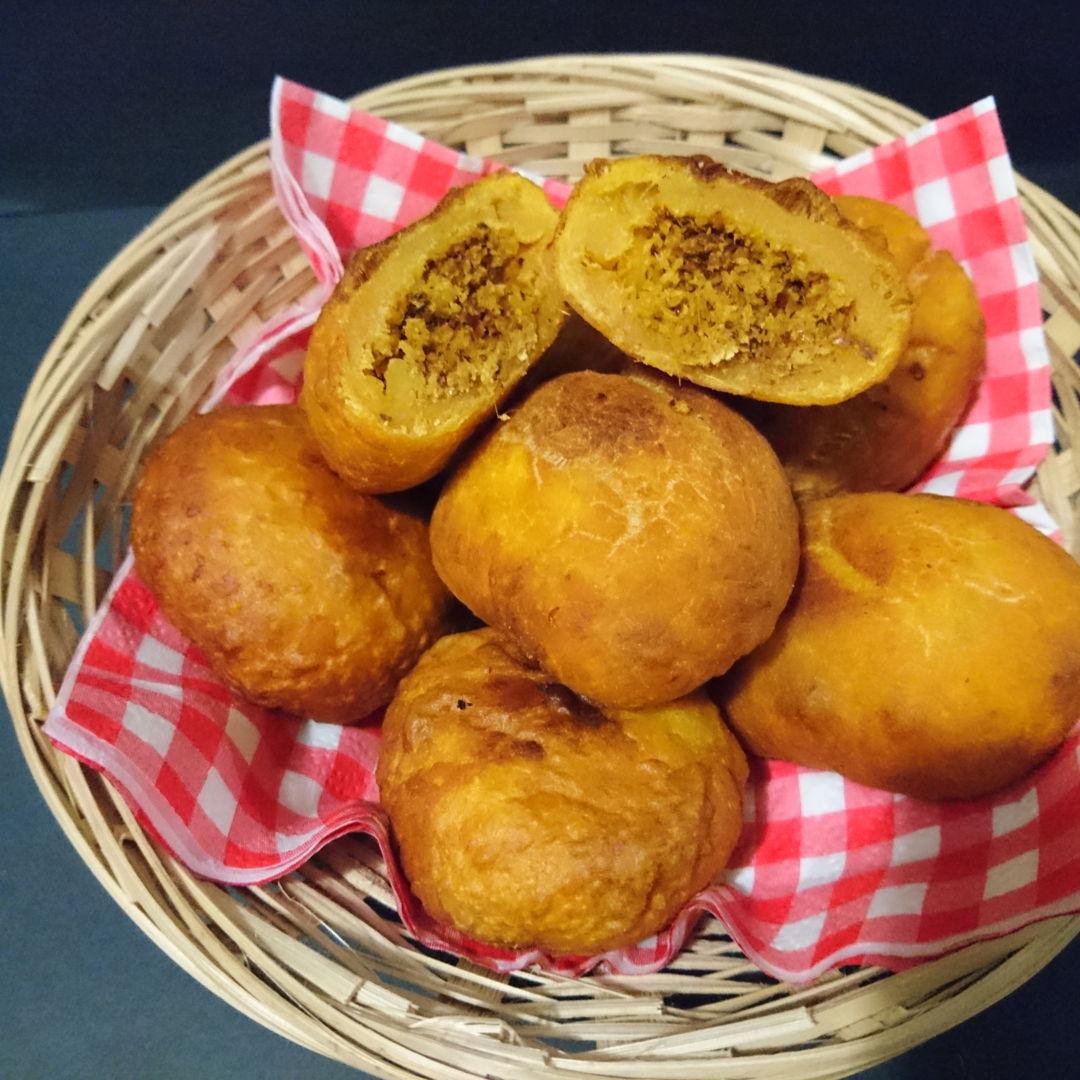 Date: 2 Dec 2019 (Mon) 15th Snack: Cucur Badak (lit. Hippopotamus Fritters)/Sweet Potato with Spicy Coconut Filling [127] [123.6%] [Score: 7.0]