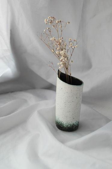 Небольшой стакан/ваза/что угодно