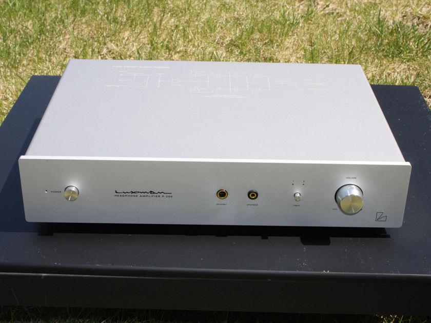 LUXMAN P-200 Headphone Amplifier