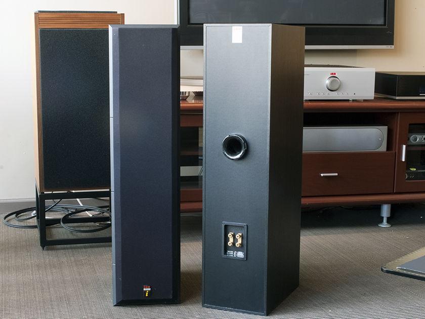 B&W DM640i Floorstanding Speaker