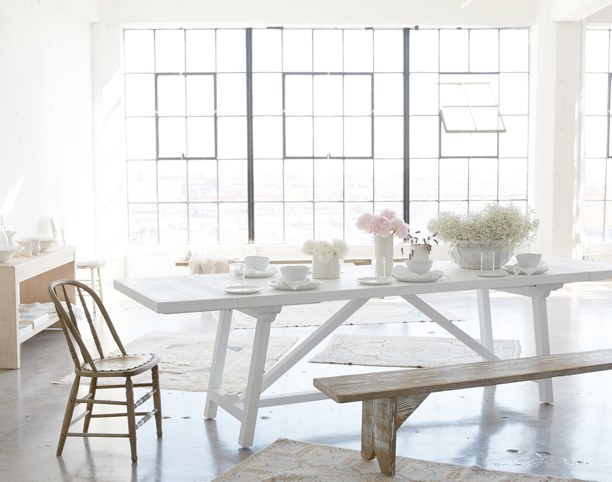 Shabby Chic Decor finds await you in this inspiring lineup of interior design inspiration. #shabbychic #interiordesignideas #decoratingideas #rachelashwell #diningroom