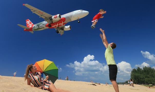 Солнце, море, самолеты!