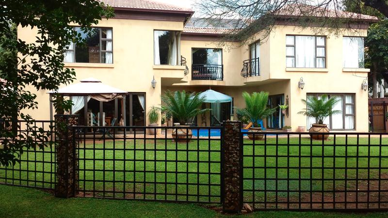 Real estate in Hartbeespoort Dam - ENV70501.jpg