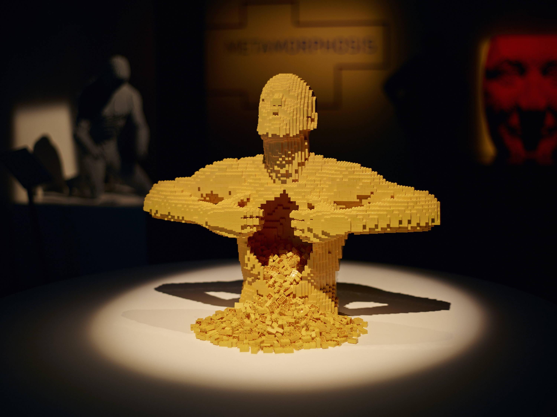 Artist Create Pieces Of Art Using LEGO Bricks