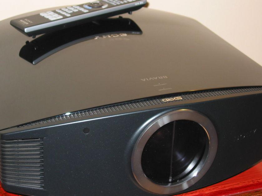 Sony VPL-VW85  VPL-VW85 SXRD
