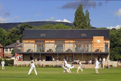 Glossop Cricket Club Logo