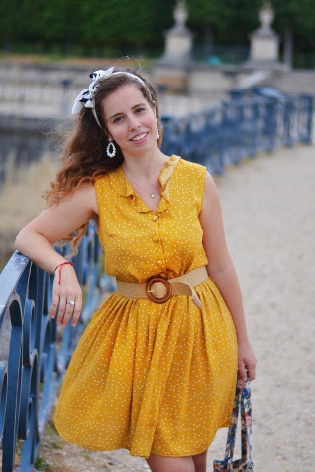 photo qui décrit la robe anamé portée par Eléa du compte instagram le museedele