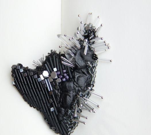 Брошь в единственном экземпляре Стилизованное сердце