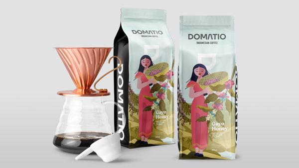 Nature fun coffee farmers for Domatio Indonesian Coffee.