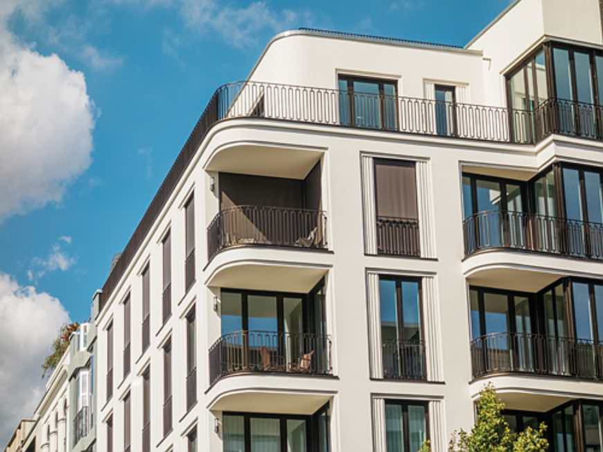 Hamburg - Find a bright modern apartment for sale in Germany with the real estate agents at Engel & Völkers