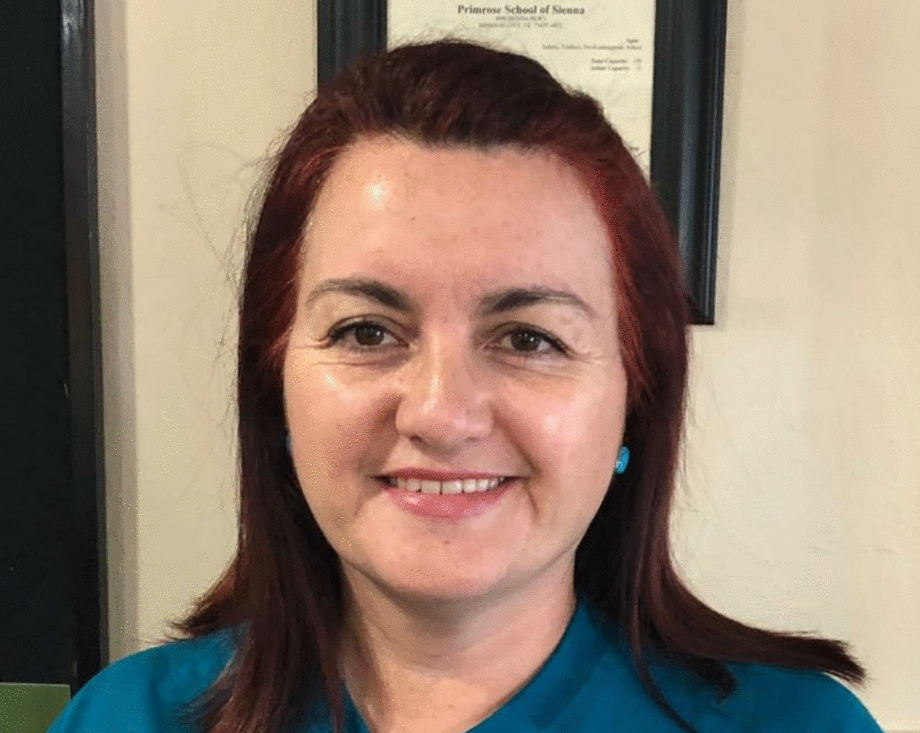 Ms Zambrano , Food Specialist