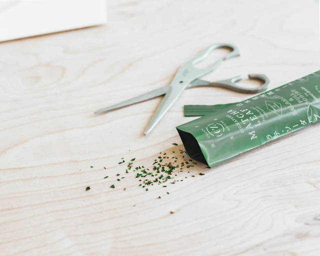 matcha tea leaf bag