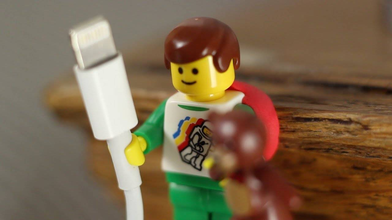 Cable/Mini-figure Holder