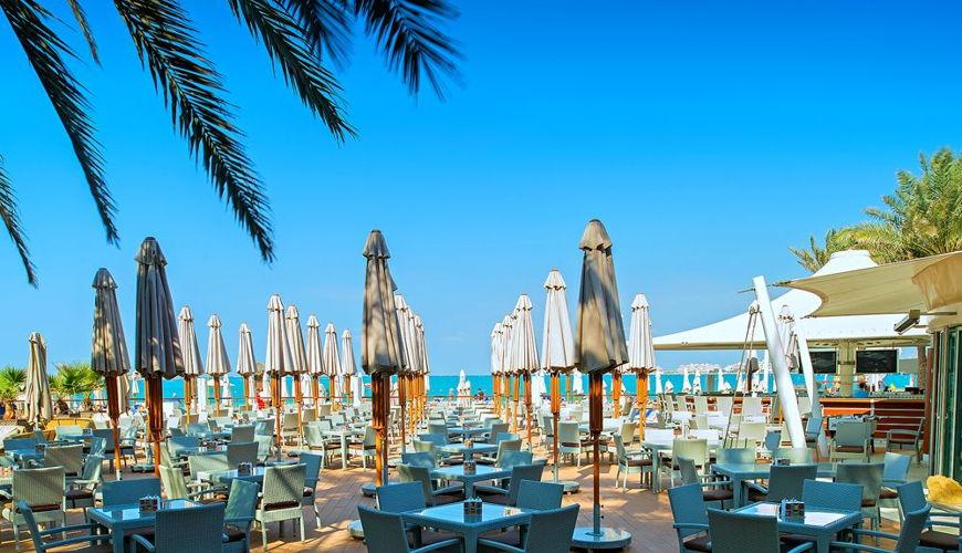 صورة Wavebreaker Beach Bar & Grill