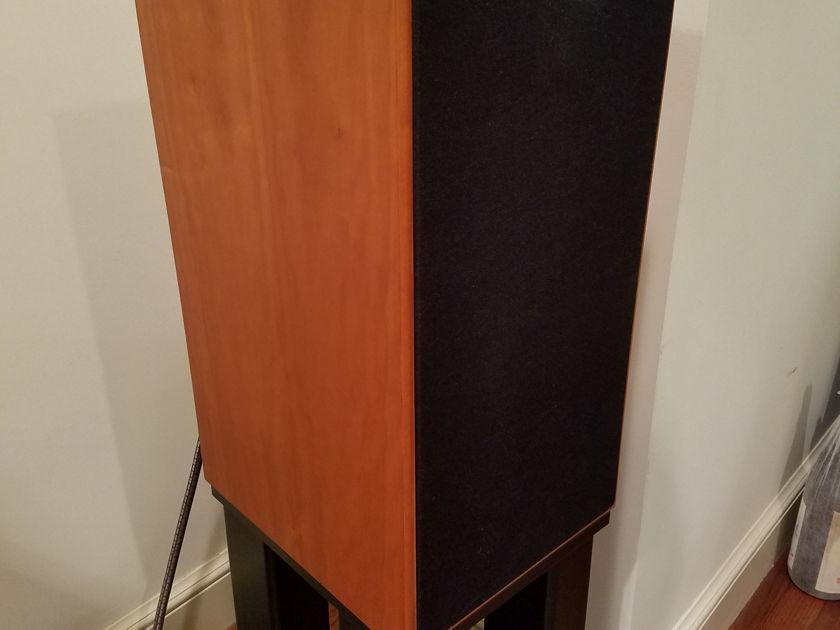 Skylan  SKY-4P18 Speaker Stands