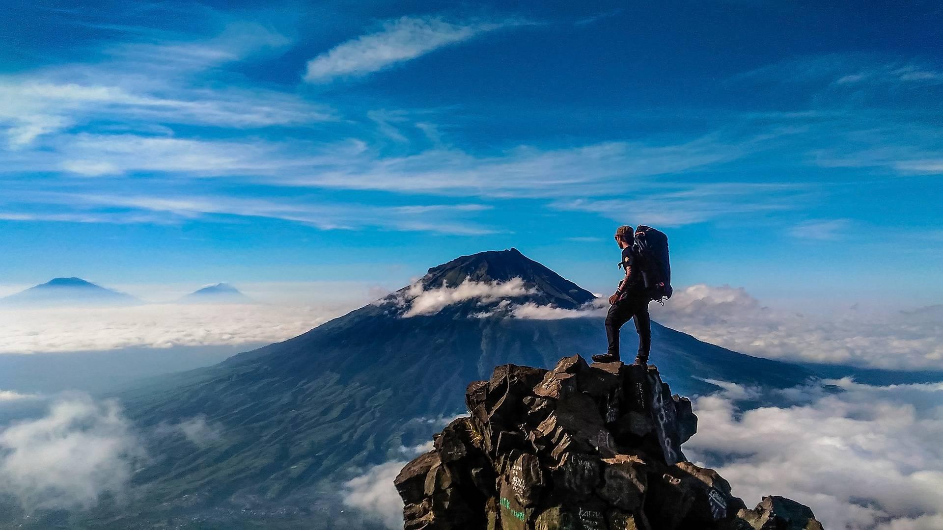 8 conseils pour randonner ultraléger. La randonnée ultraléger permet de réduire le poids de votre sacs à dos.