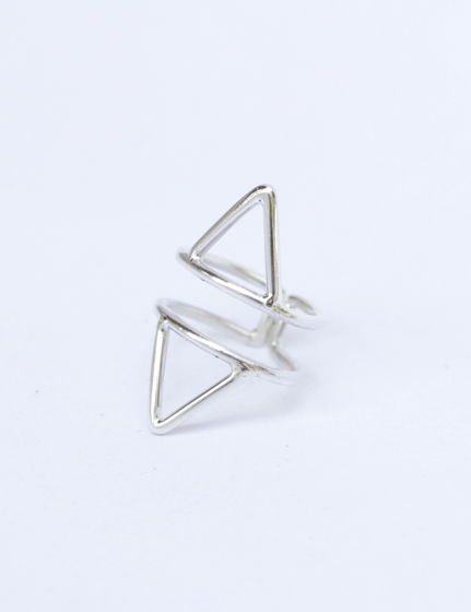 Кольцо серебряное в виде треугольников