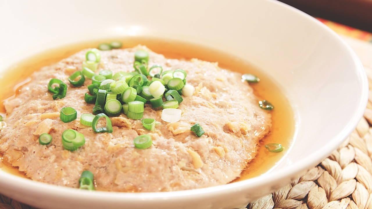Gedämpftes Schweinehackfleisch mit Tianjin konserviertes Gemüse