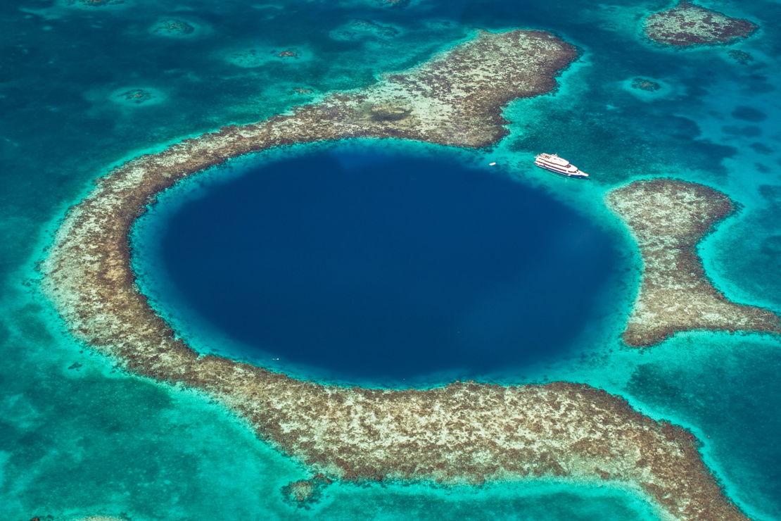 Belize Velká modrá díra