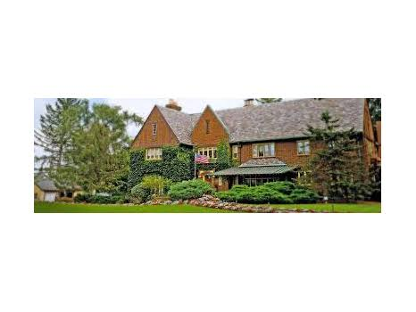 The English Inn Bed & Breakfast Stay