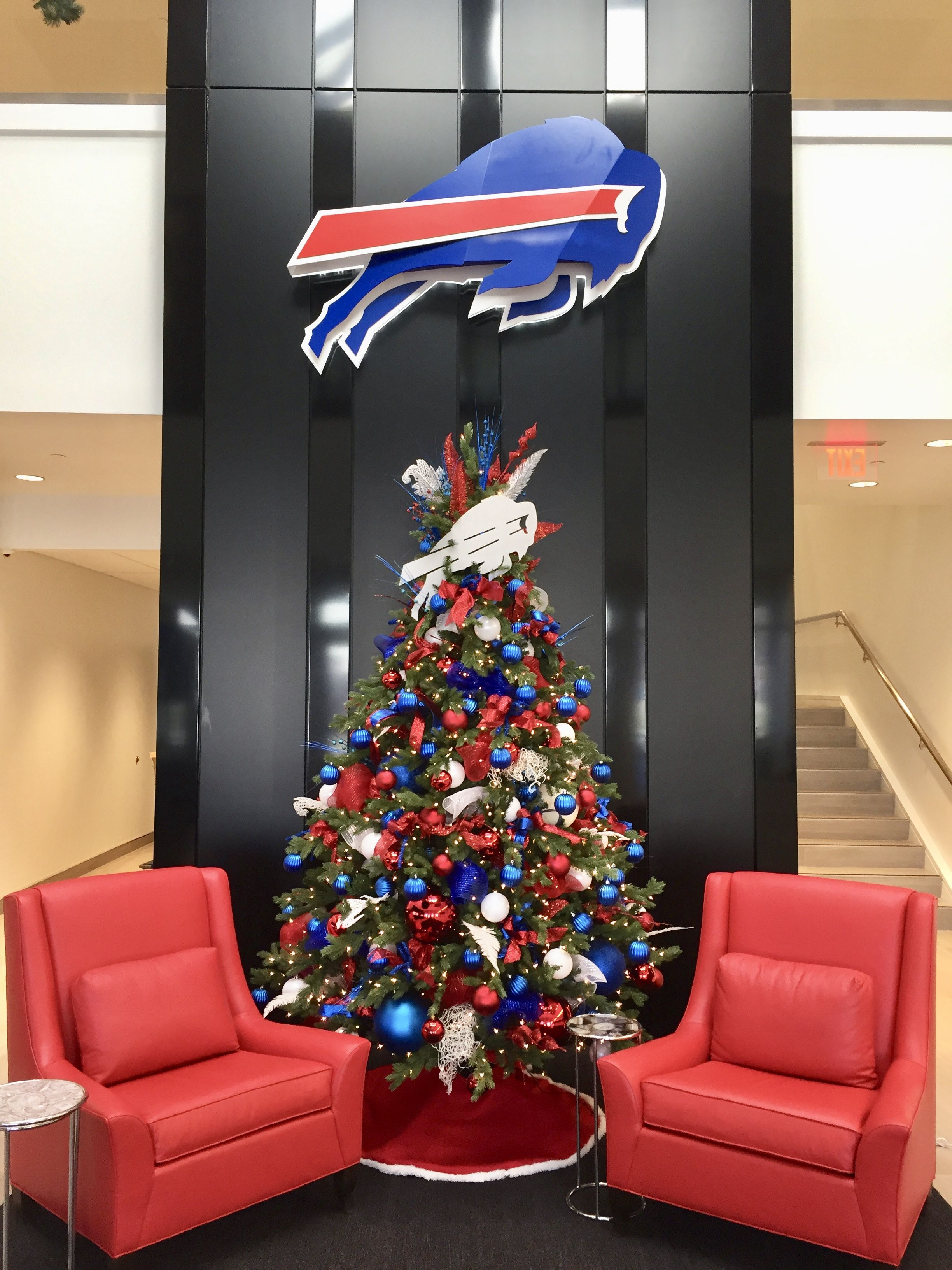commercial decorating has become the largest focus of our business as we have acquired clients such as sportsnet cbc hockey night in canada - Commercial Christmas Decorations Canada